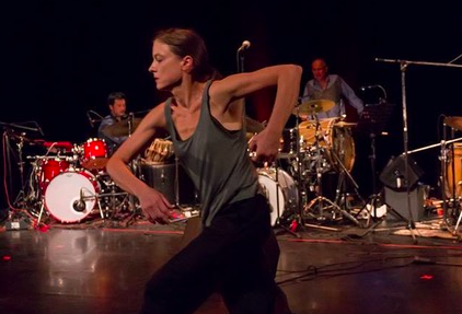 Julie Bougard ©Corps pe(n)sant / CCNR/Yuval Pick